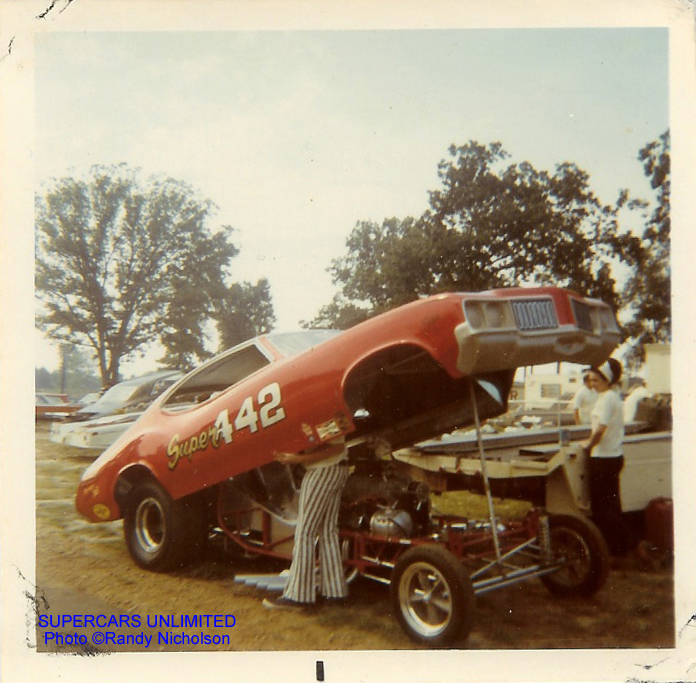 This happened at the 1971 Popular Hot Rod meet atUS 131 Dragway in ...